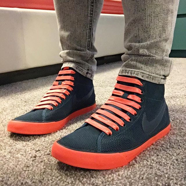 Not only did I find the right color laces, but they're elastic so I don't have to tie them!