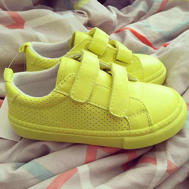 Next up in my toddler's shoe game line up: highlighter yellow kicks.