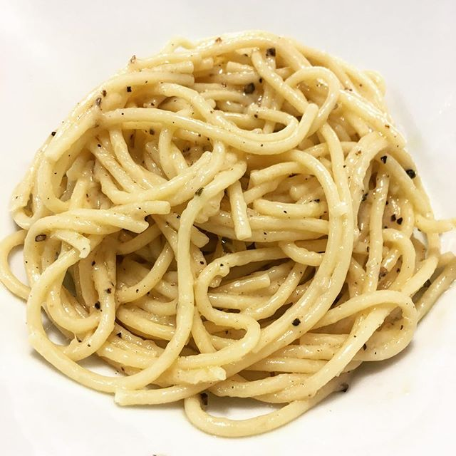 All the National Pasta Day jokes got to me, so cacio e pepe for dinner it is.
