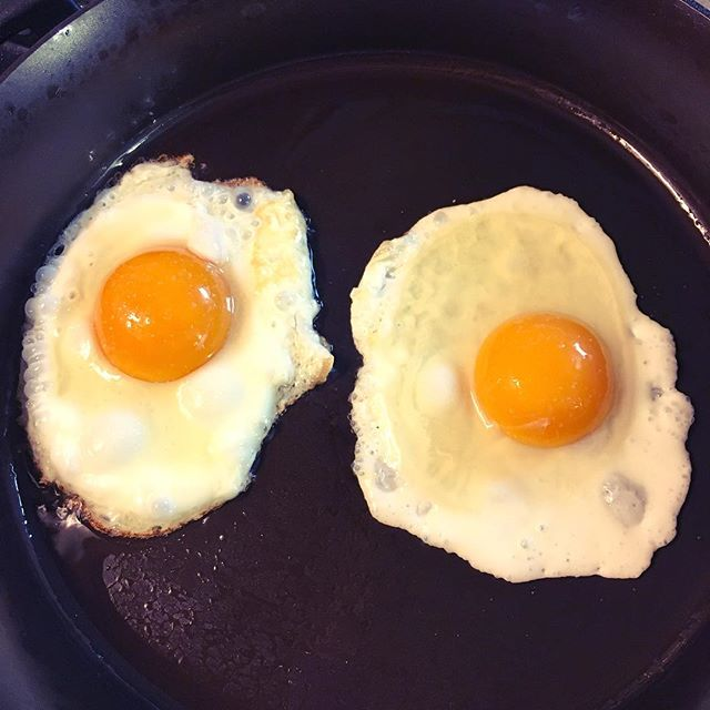 Skillet verdict: just enough grip for eggs to keep their shape, but no sticking. And light enough to one-hand. Definitely a winner.