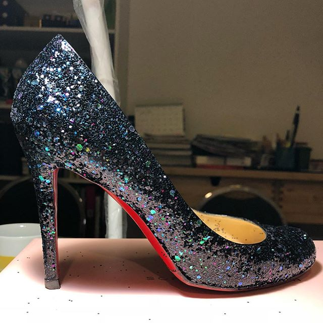 Mixed up some custom glitter for my own take on dragonfly Louboutins...............#louboutin #christianlouboutin #louboutinworld