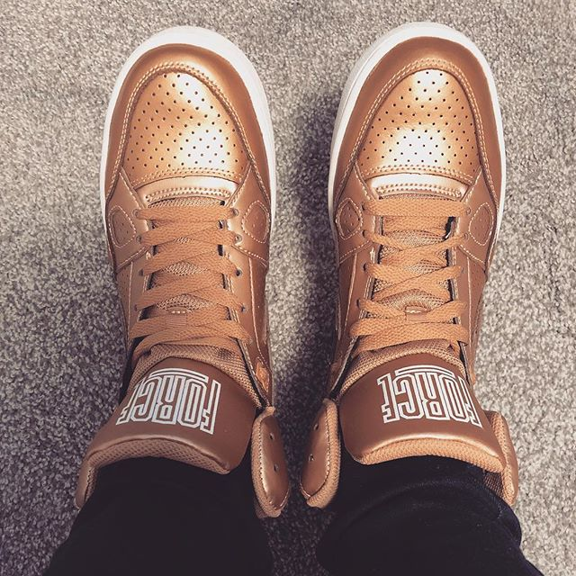 Maybe I'll start doing #sotd posts. Are these rose gold or bronze? #sonofforce #nike #rosegold #bronze