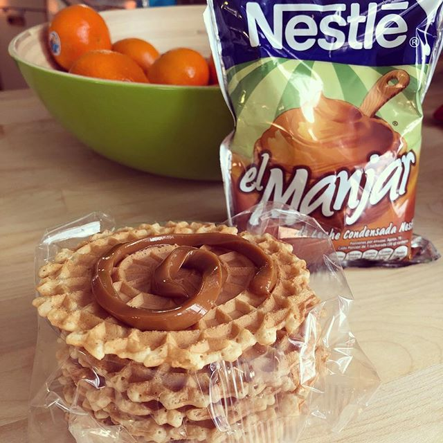 Dulce de leche + pizzelle = A+ multicultural afternoon snack