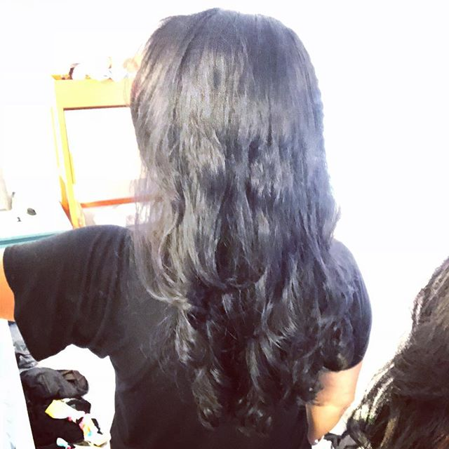 Not easy to get a shot of the back of my own head but here's what the digital perm looks like post-shampoo/air dry! Happy with the results 🏻‍♀️
