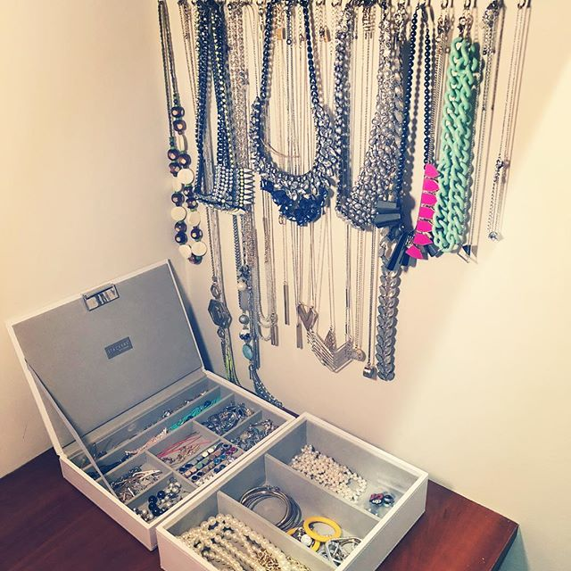 Organizing jewelry to clear the mind