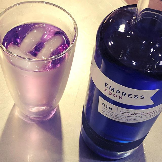 Magic transforming gin for the prettiest gin and tonic