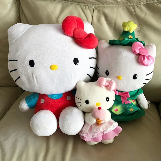 It's like a Hello Kitty family