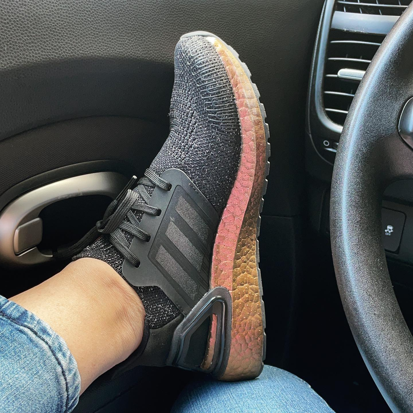 If you thought I'd be able to pass up a pair of black and rose gold iridescent Ultraboosts you were sorely mistaken