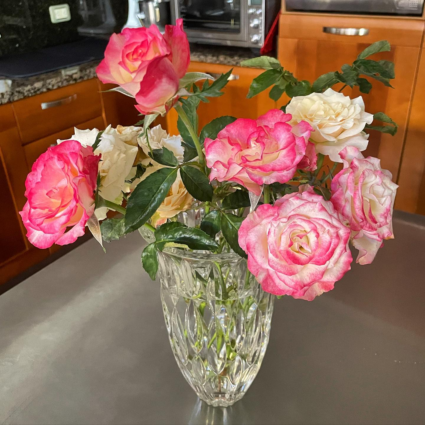 An entire vase of roses from my own garden!